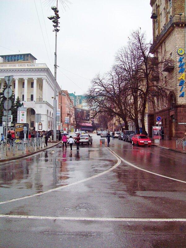 Перекресток Крещатика и Городецкого