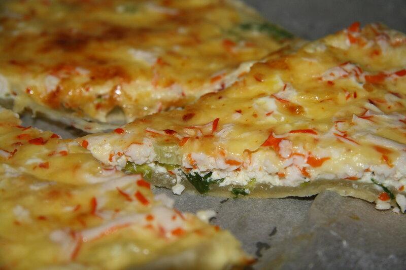 Пицца с сыром и крабовыми палочками!