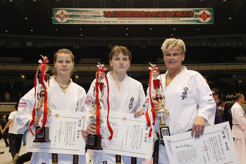 Елена Воробьева (легкий вес), Анастасия Хрипунова (средний вес), Агнешка Sypien (тяжелый вес)