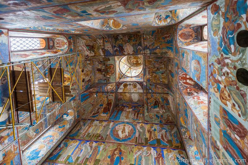 Настенные росписи надвратной Церкви Иоанна Богослова. Ростовский кремль.