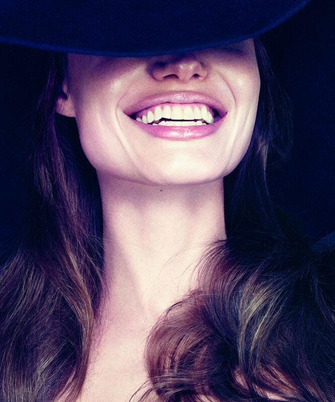 Анджелина Джоли (Angelina Jolie) январь 2012