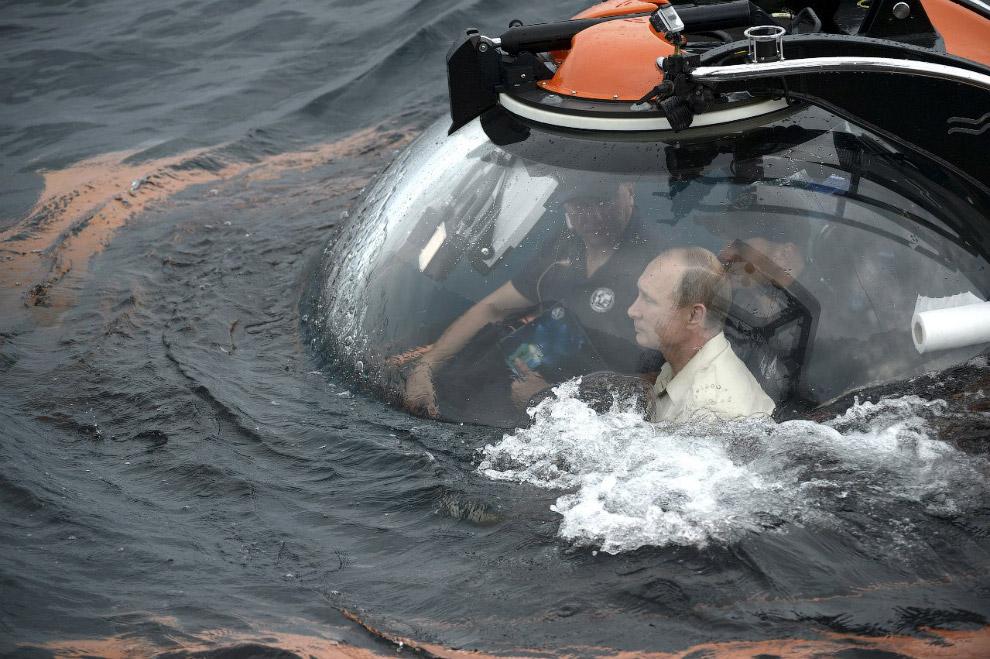 14. Кстати, президента сопровождал премьер-министр Дмитрий Медведев . Но ему испытать голладский бат