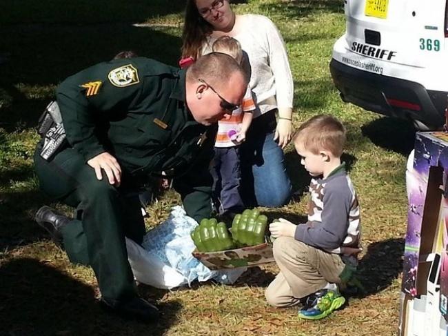 6-летний мальчик-аутист Гленн Буратти решил отметить свой день рождения, ноникто изприглашенных го