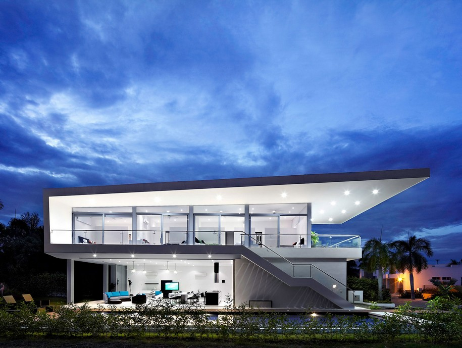 GM1 House от GM Arquitectos в центре Колумбии