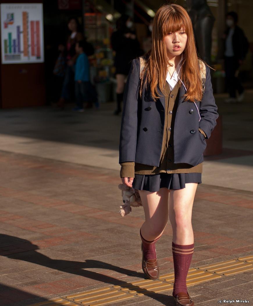 фото японские школьницы без трусов