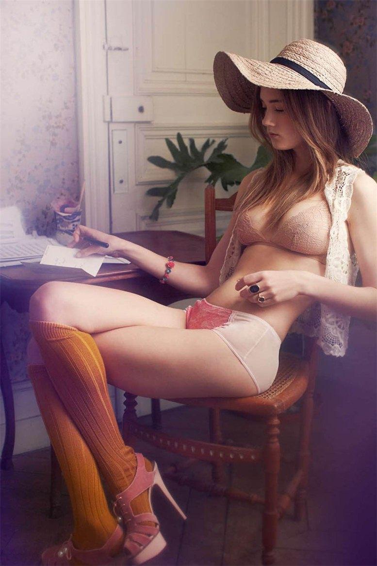 Laragh McCann / Лара МакКанн в журнале Elle France, апрель 2012 / фотограф Gemma Booth