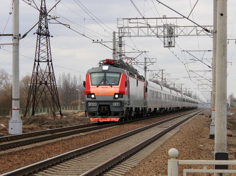 ЭП20-017 с Невским Экспрессом