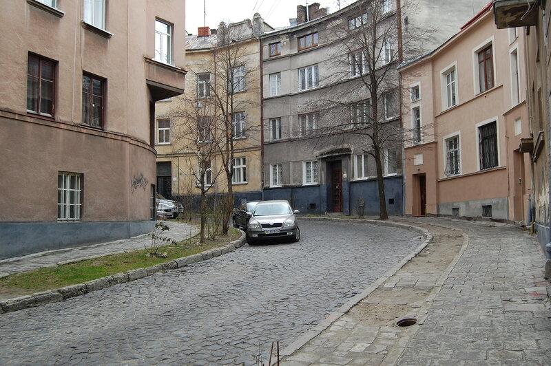 улица Кутузова - Тарнавского