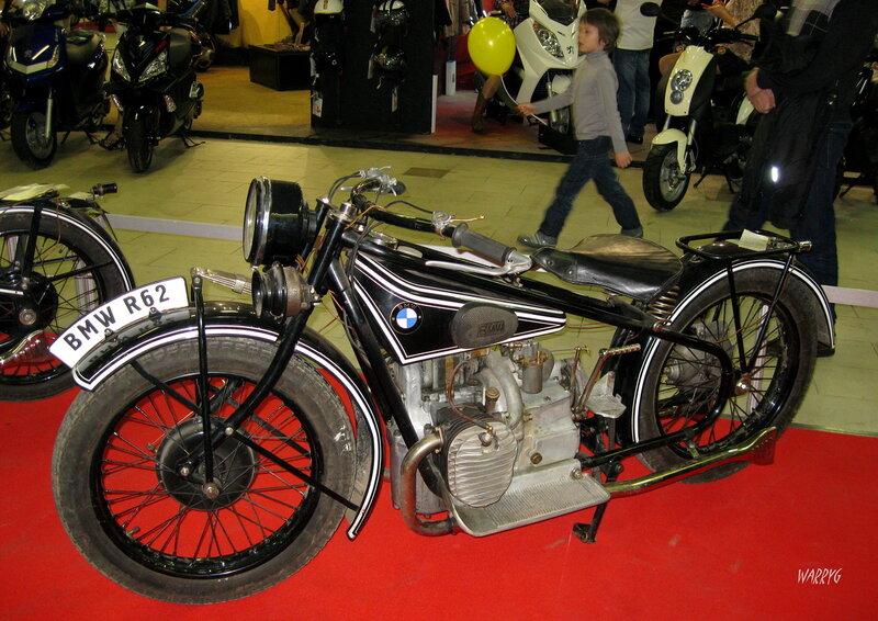 Мотосалон IMIS-2012 в «Гарден Сити». Ретро зона. Немецкий мотоцикл BMW R62 1928 г.