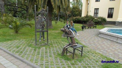 Прогулки по Сочи - прикольные скульптуры
