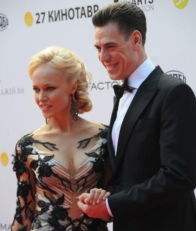 Личное счастье актер Дмитрий Дюжев обрел благодаря певице Мадонне! С будущей женой он познакомился и