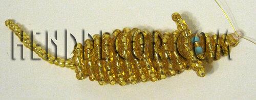 Плетение бисером брелок с мышкой11