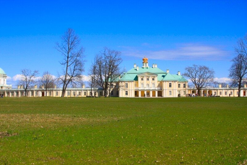Большой дворец, вид со стороны внутреннего двора