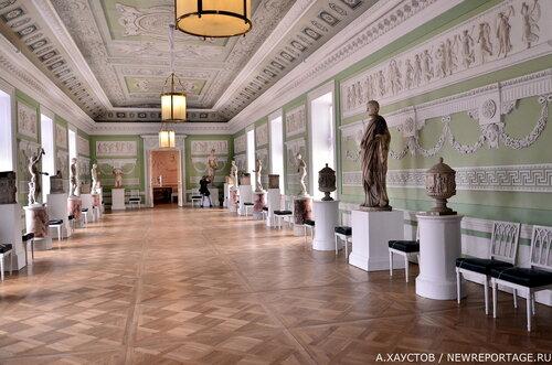 В Павловском дворце без посетителей