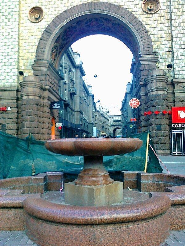 Ремонт фонтана на Крещатике