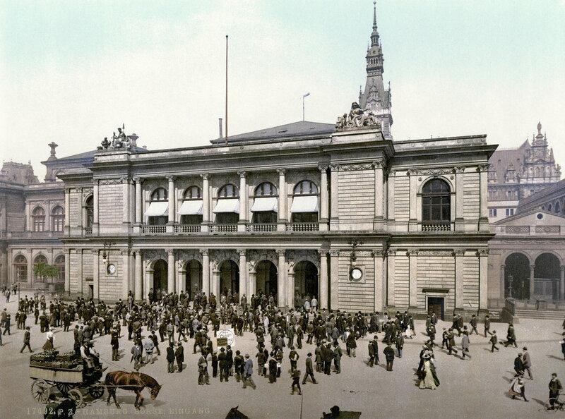 Биржа была основана в 1558 году и является старейшей из 8 фондовых бирж в Германии