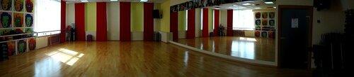 Зал групповых занятий фитнес-клуба