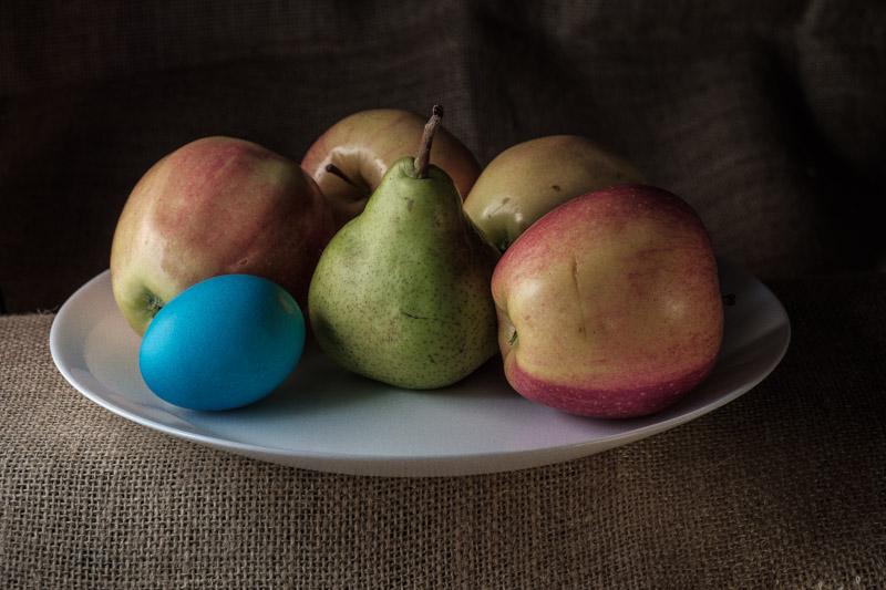пасхальное раскрашенное яйцо