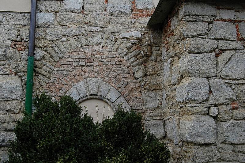 Старинные камни фото