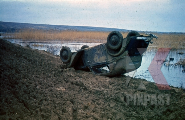 stock-photo-crashed-wehrmacht-car-in-russian-mud-1942-9274.jpg