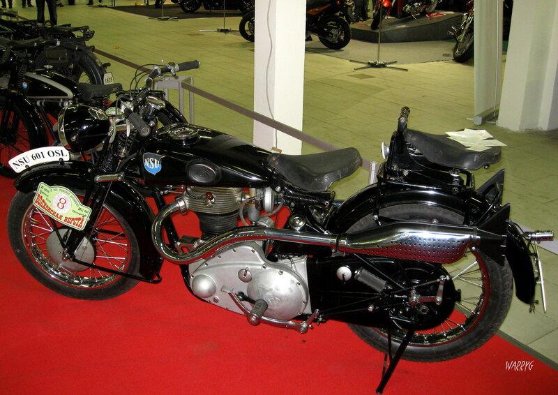 Мотосалон IMIS-2012 в «Гарден Сити». Ретро зона. Немецкий мотоцикл NSU 601 OSL