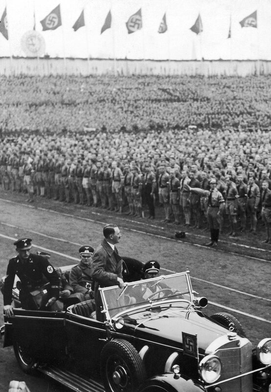 Hitler At Lustgarten