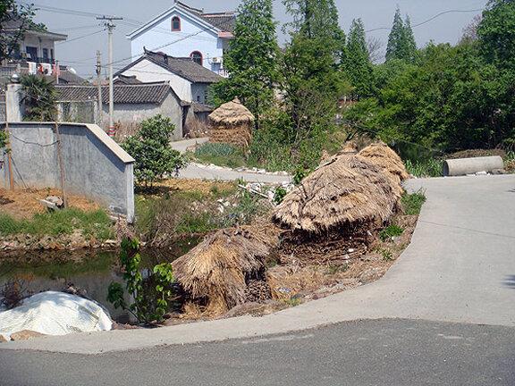 Дворы китайских домов в деревне