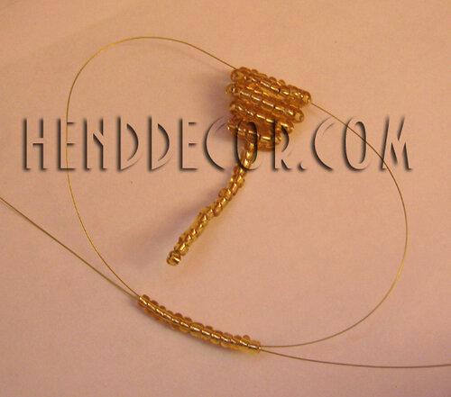 Плетение бисером.  Мышка из бисера.