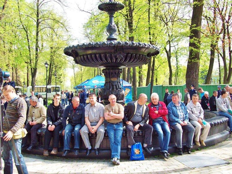 Ветераны-чернобыльцы в Мариинском парке