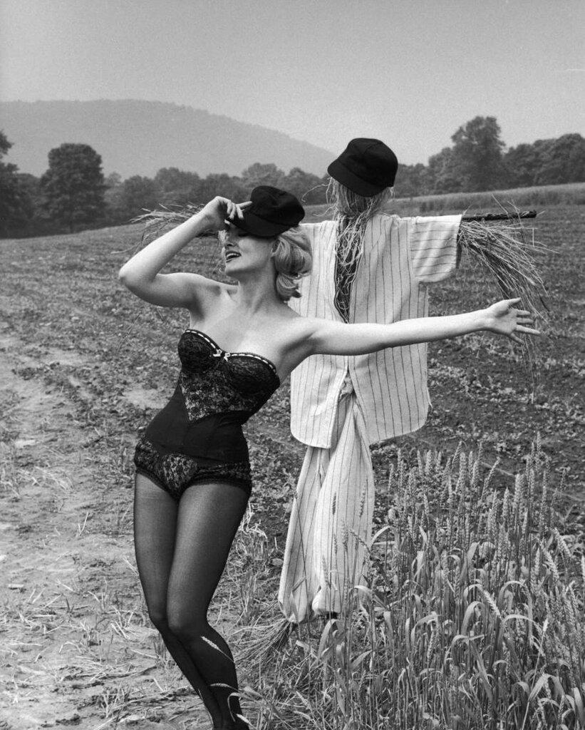 bailarina Julie Newmar