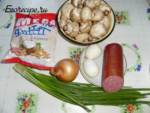 Ингредиенты для салата Обжорка с сухариками и грибами