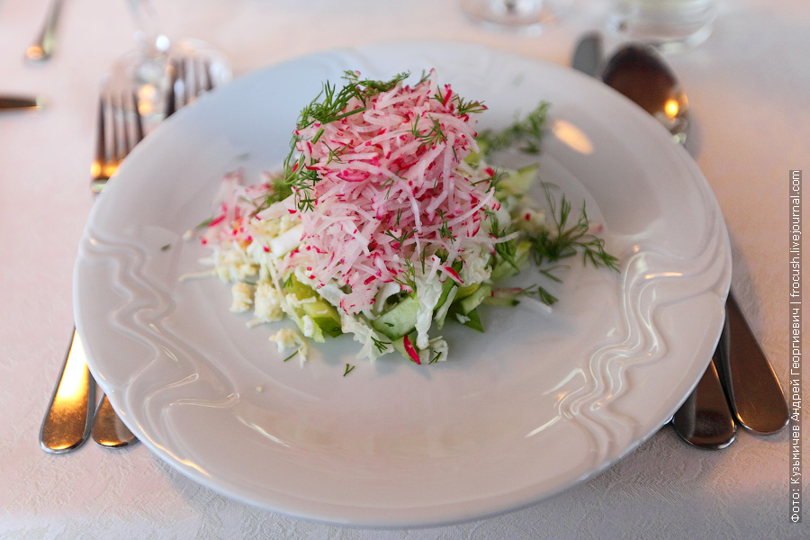 Салат «Весна» (редис, оргурец свежий, куриное яйцо, салат)