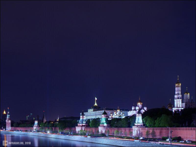 Ночная Москва. Репетиция Дня Победы. Подсветка стен Кремля