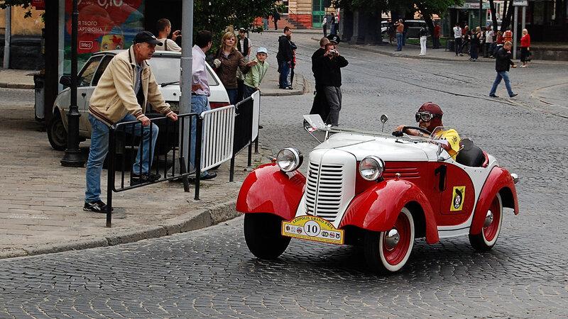 Гран-при 2012 идёт гонка