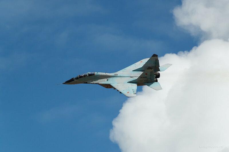 Микоян-Гуревич МиГ-29УБ (RF-92268 / 35 красный) D809617