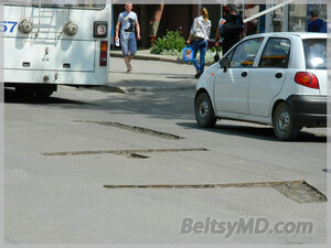 Ямочный ремон дорог в Бельцах