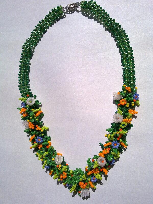"""Вот - три дня и готово новое ожерелье из бисера с романтическим названием  """"Лето """".  Яркое, сочное, красочное, пестрое..."""