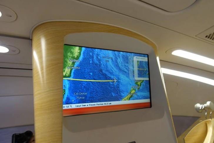 21. В спа-салоне есть огромный ЖК-экран, который показывает местонахождение самолета, когда вы прини