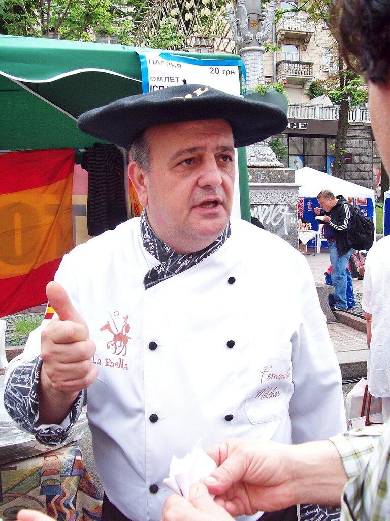 Испанский повар на Дне Европы в Киеве
