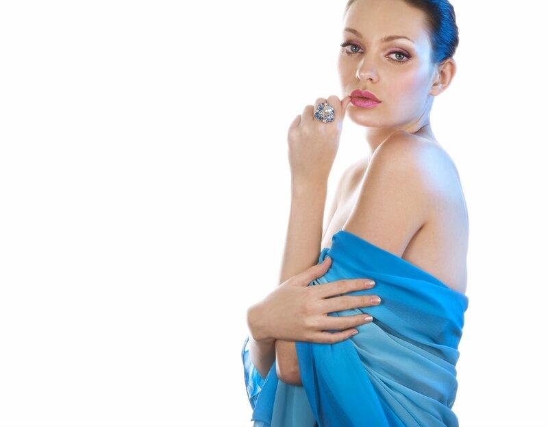 Маникюр к синему платью фото 2