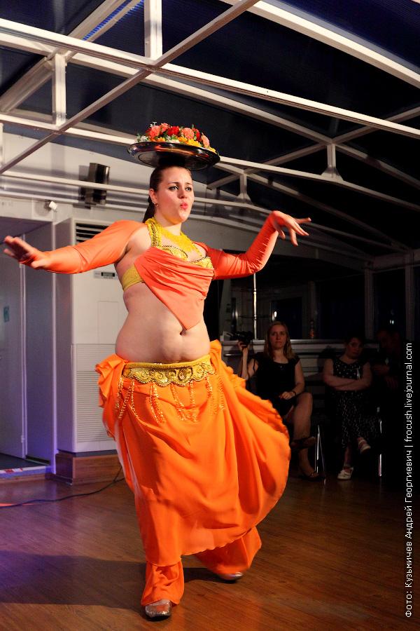 Чемпионка по танцам живота Светлана Хоменко