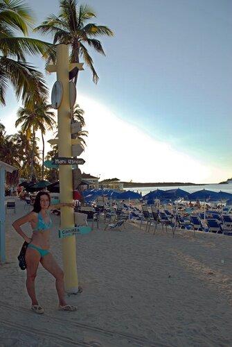 Верстовые столбы на Багамах...