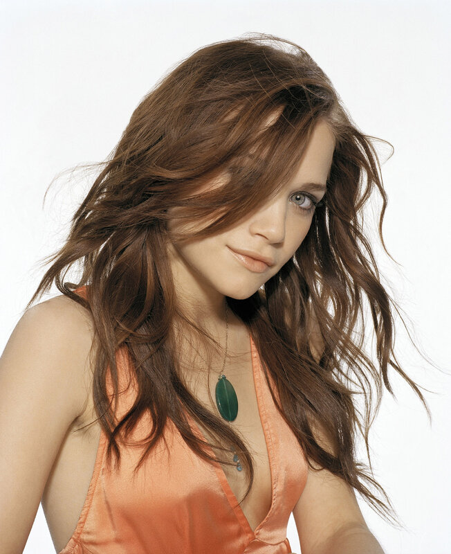 Мэри-Кейт Олсен (Mary-Kate Olsen) и Эшли Олсен (Ashley Olsen) 2004