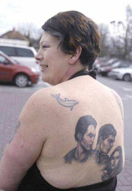 Роберт Паттинсон как герой татуировок