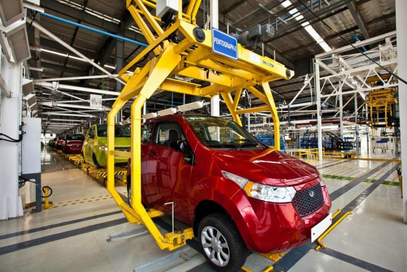 mahindras-next-generation-electric-car-e2o.jpg