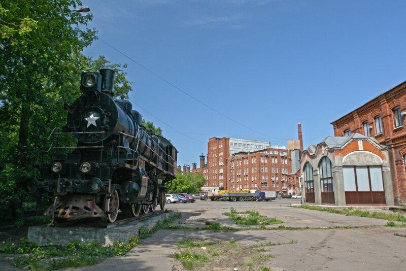Паровоз СУ 205-37 на территории Бадаевского завода