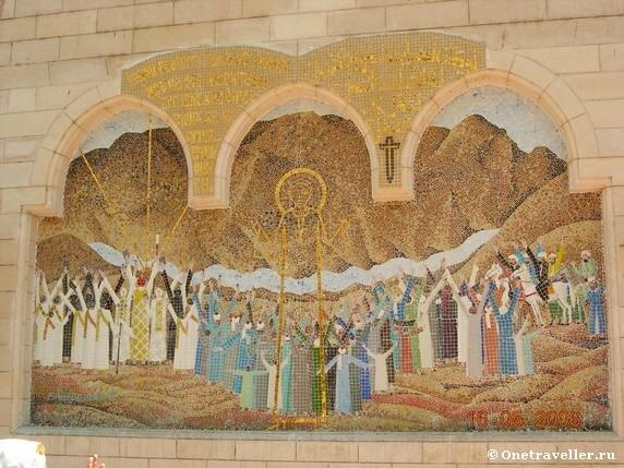 Мозаичная икона перед входом в коптский храм Эль-Муаллака