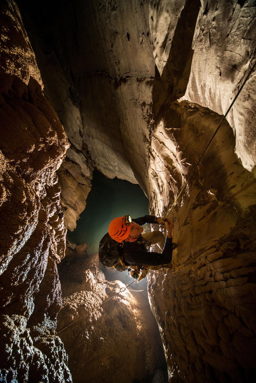 13. Самой глубокой пещерой планеты считается карстовая пещера Крубера-Воронья, расположенная в