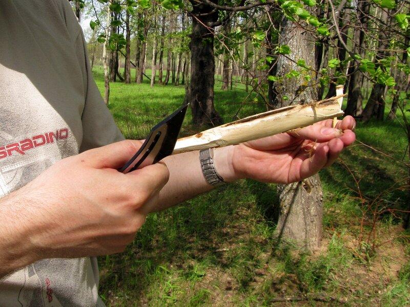 деревянная ложка в процессе изготовления