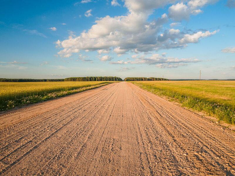 Впрочем, дорога хорошая — грех жаловаться. Да и траффик нулевой.